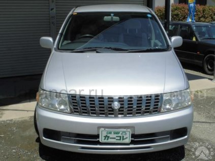 Nissan Bassara 2002 года в Японии